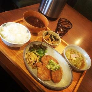 食堂カフェ 二兎 (ショクドウカフェニト)