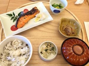 ニホンの食卓 つくみ 横浜高島屋店